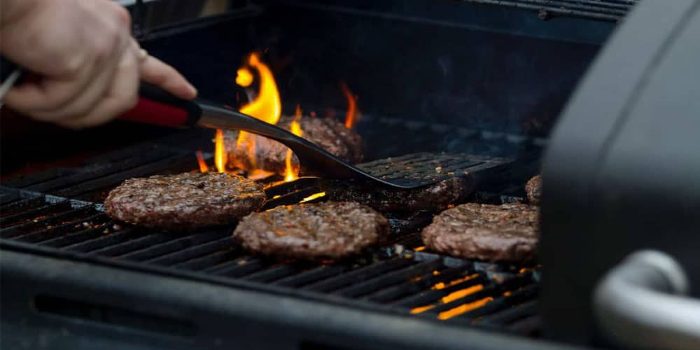 Cooking Area of gas grills under 500