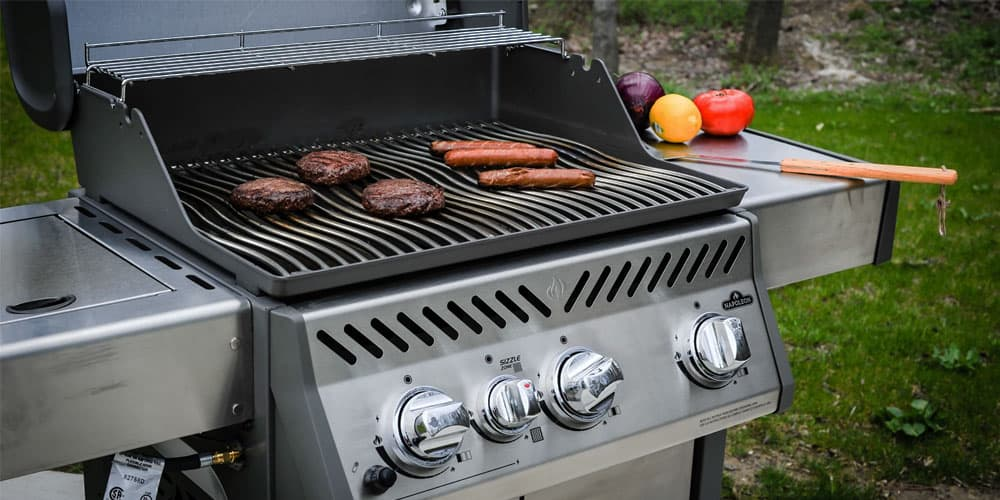 Side Burners and Table Shelves of Gas Grills under $500